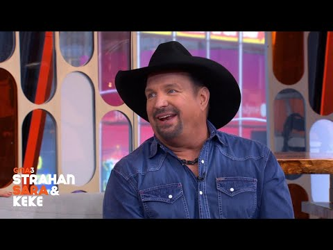 Garth Brooks Cried At Bruno Mars' Concert, Sings 'Friends In Low Places'