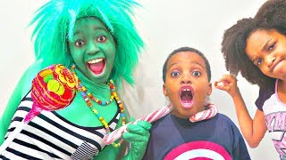 Bad Baby Giant Chupa Chups Lollipops and Giant Candy Chocolate Troll! Shasha and Shiloh - Onyx Kids