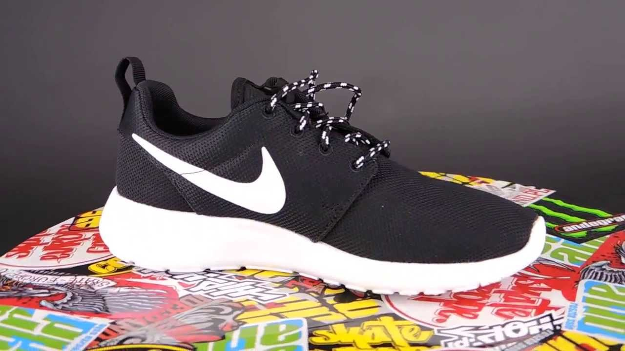 new style 1d4c5 0884d Nike Roshe Run Women Black And White Volt