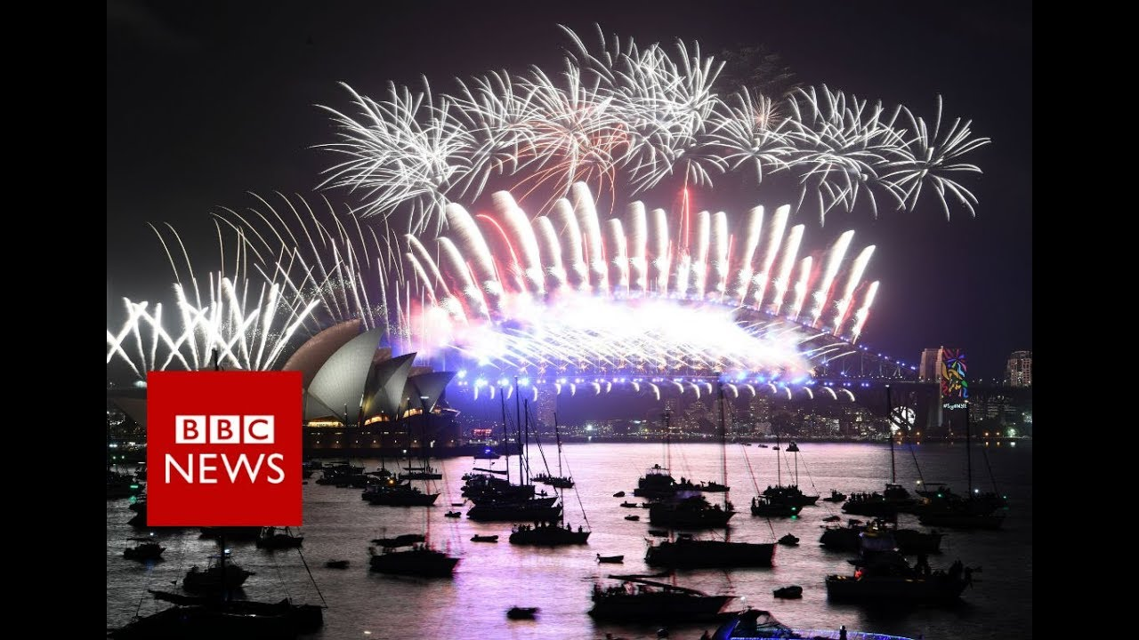 New Year 2018: First cities welcome New Year with a bang - BBC News ...