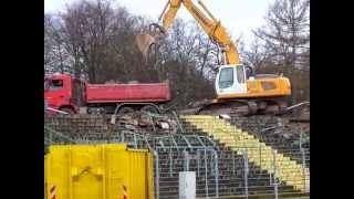 Abriss des Gästeblocks vom Erfurter Steigerwaldstadion