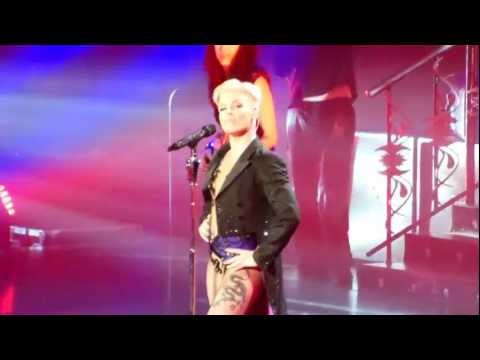 P!nk - How Come You're Not Here - The Truth About Love Tour (Toronto)