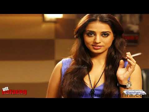Mahie Gill Hot Cleavage Video Don't Miss It thumbnail