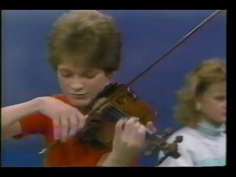 Canadian music prodigies, Corey and Katja Cerovsek (Spanish subtitled)