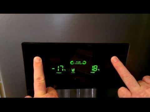 Aeg Kühlschrank Auffangbehälter Ausbauen : Aeg kühlschrank wasser läuft in bodenwanne youtube