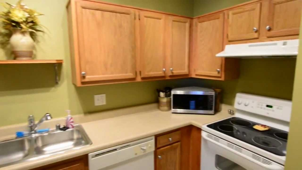 Cute Louisville Condo At 1120 Westlynne Plc Ky 40222 Westport Gardens