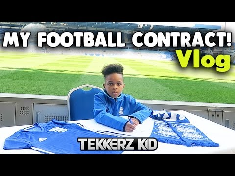 SIGNING MY FIRST FOOTBALL CONTRACT! | Typical Saturday Vlog!! | Tekkerz Kid
