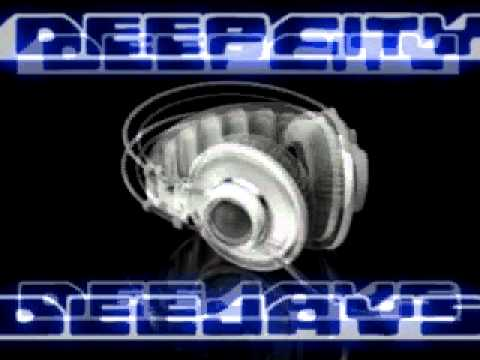 DeepCity DeeJays with DeeJay Traian - Put Your Hands Up (House Mix)