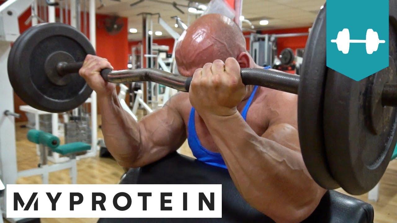 rutina de gym para biceps y triceps