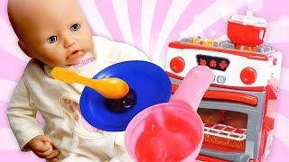 Bébé Annabelle - Jeux avec poupées - Comme maman - Vidéo pour enfants
