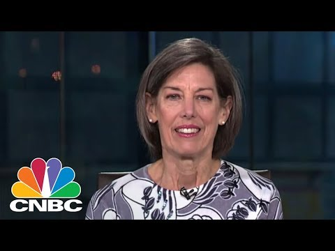 Why Spotify's Listing Isn't An IPO: Expert Kathleen Smith | CNBC