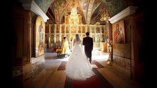 «У церкви стояла карета»