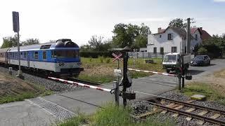 454f253945a Železniční přejezd - mechanické závory - Loukov u Mnichova Hradiště  1 -  27.8.2018