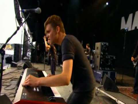04 Our Velocity (Maxïmo Park live at Glastonbury 2007)