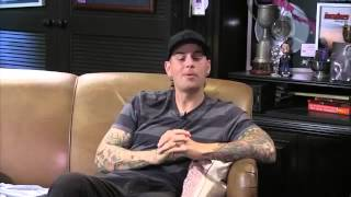 M Shadows and Larry talking about a show in Morocco