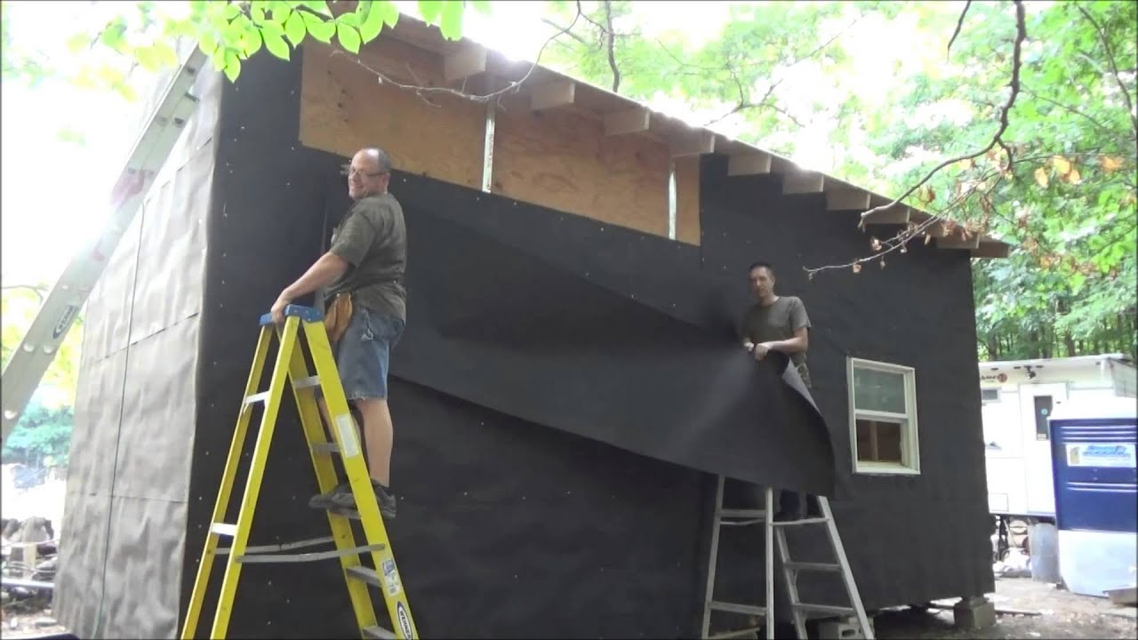 Putting Tar Paper On My Tiny House On Wheels S7 Youtube
