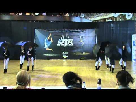 Танец с  зонтиками.  Однажды,весёлым пасмурным днём