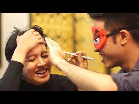 BLINDFOLDED MAKE UP CHALLENGE - ALVIN CHONG & SID MURSHID