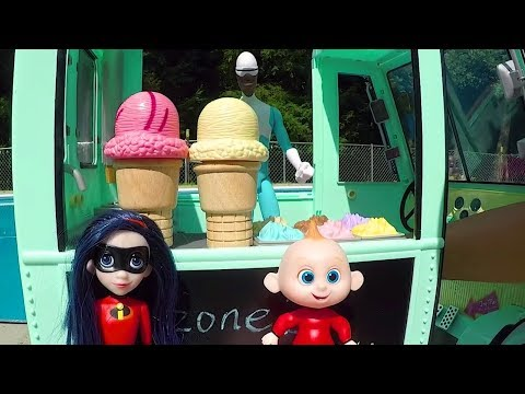 Toy Hotel Swimming Pool with The Incredibles Family & The Ice Cream Truck
