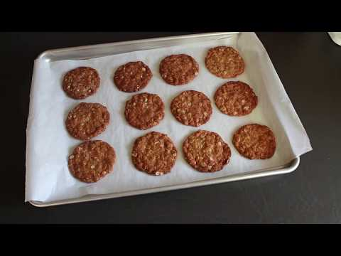 Baking Anzac Biscuits | How To Bake Cookies