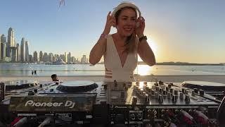 Pretty Pink - Dęep Woods #143 - Bohemia Dubai Five Palm (Radio Show)
