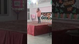 Kamli a very very lovely song sang by anshika srivastava 😀😀