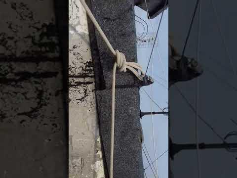 За что вязать веревки на крыше.Промышленный альпинизм.