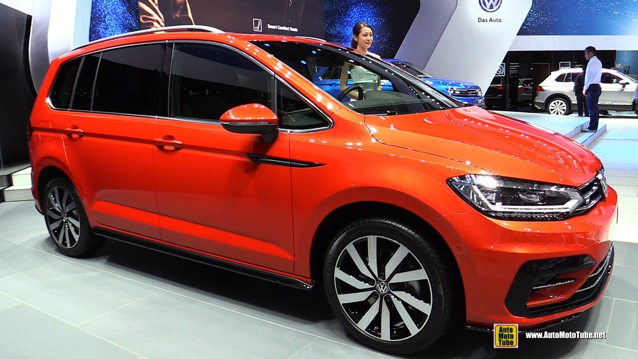 2016 volkswagen golf touran r line exterior and interior walkaround 2015 tokyo motor show. Black Bedroom Furniture Sets. Home Design Ideas