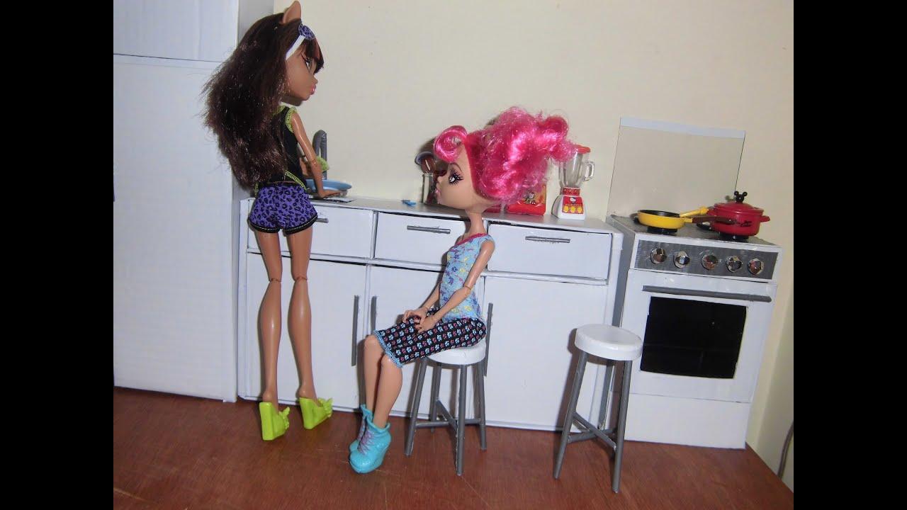 Como fazer um banco  banquinho para boneca Monster High
