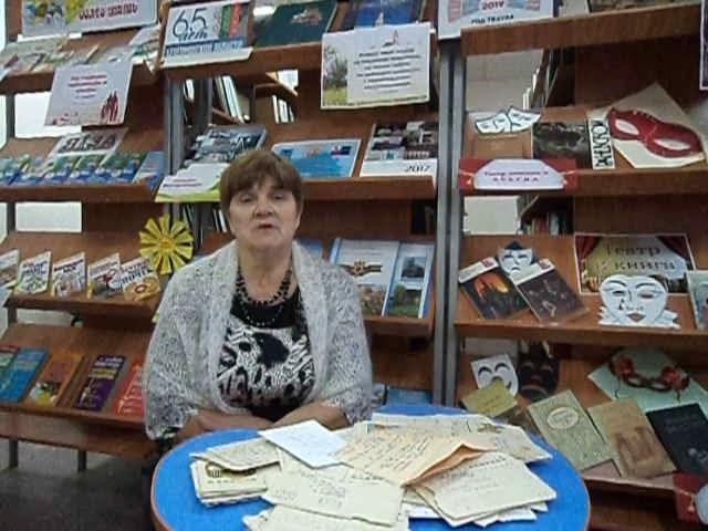 Изображение предпросмотра прочтения – НадеждаПрасолова читает произведение «Она сидела наполу…» Ф.И.Тютчева