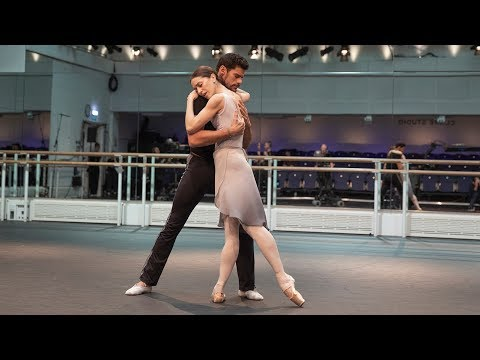 Marianela Nuñez and Thiago Soares of The Royal Ballet rehear