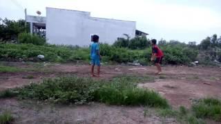 Trẻ trâu hồ bể đánh nhau