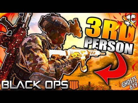 Playing Black Ops 4 in 3RD PERSON...