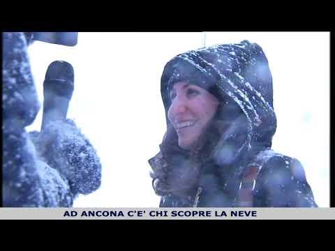 Ancona nella neve, tra disagi e spettacolo
