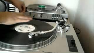 DJ VILAZ SESIÓN DE SCRATCH - (beat de still d.r.e de Dr. Dre con Snoop Dogg)