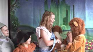 Video Wizard of Oz starring Caitlin, Isabella, Lily & Sam - Camp Bestival 2011 download MP3, 3GP, MP4, WEBM, AVI, FLV November 2018