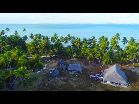 Traditional Kiribati Maneaba Gathering on Tabuaeran - 4K VLOG 128