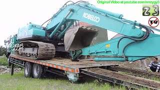 Fuso Self Loader Truck Heavy Equipment Transport Kobelco SK200 Excavator