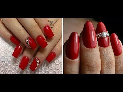 Красный дизайн ногтей со стразами