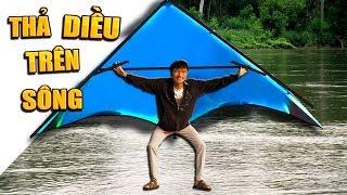 Tony | Thả Diều Khổng Lồ Trên Mặt Nước - Fly KITE On River