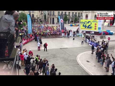 VIDÉO. Le départ du marathon Poitiers - Futuroscope
