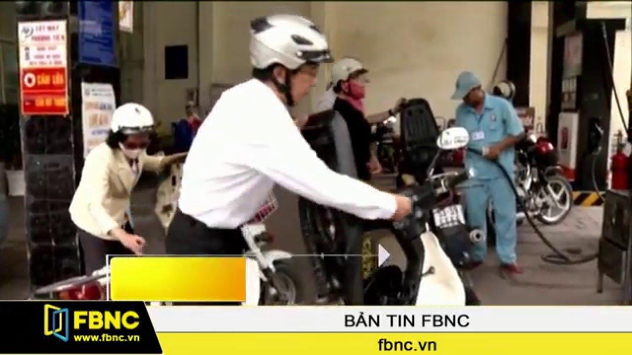 FBNC – Giá xăng giảm thêm gần 730 đồng/lít từ 15h chiều nay