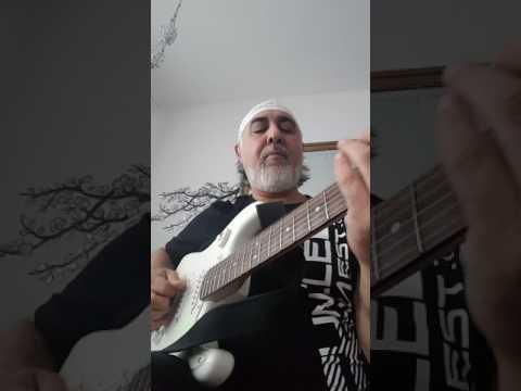 The Imam The Rock.  Kendime geldim geleli Dostlar Olamam kimseye Düşman The