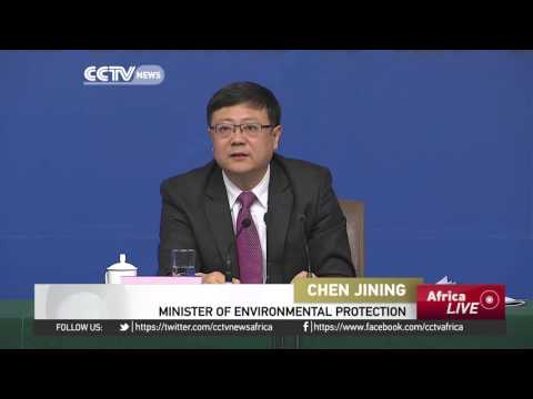 China's Minister of Environmental Protection meets the press