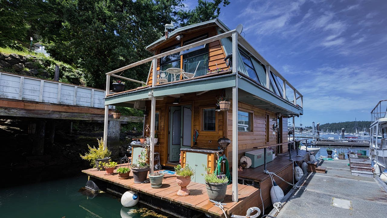 Tiny Homes That Float Life On The Water Youtube