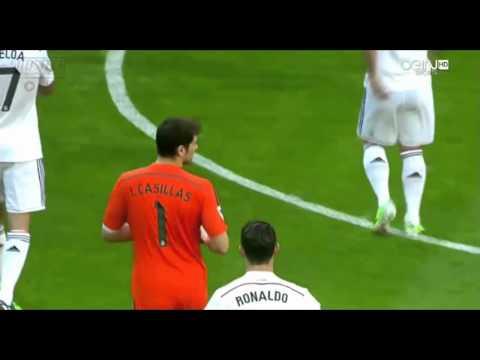 Iker Casillas Lifts FIFA World Club Trophy For Fans Real Madrid vs Espanyol (10/1/2015)