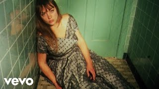 Смотреть клип Angel Olsen - Forgiven/Forgotten