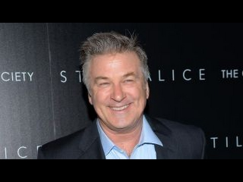 Alec Baldwin, Michael Moore to attend anti-Trump rally in NYC