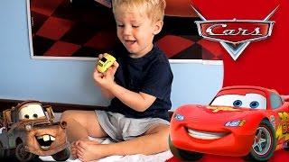 Filme Disney Pixar Carros Brinquedos - Surpresas Relâmpago Maquim McQueen Mate Sally - Pista Corrida