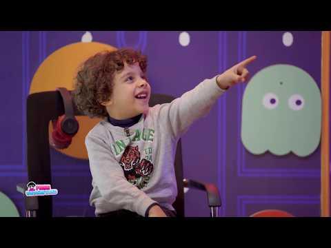 رد فعل غير متوقع من الطفل عمر عند استبدال والدته